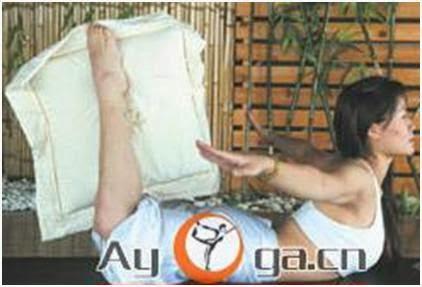 Всего 5 минут перед сном: Подушка для стройных бедер и плоского живота