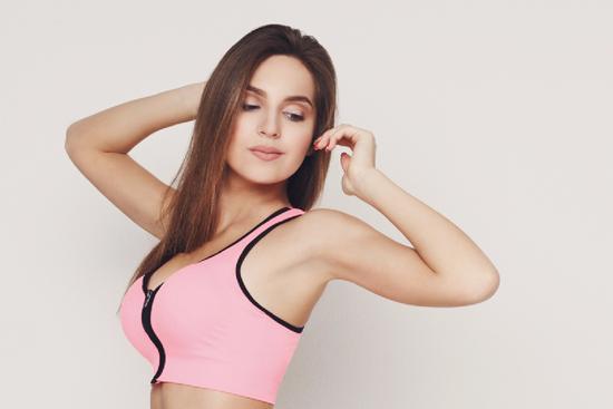 Упражнение «Юми»: предотвращаем провисание груди