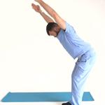 Два упражнения от врача-остеопата:  расправляем плечи и улучшаем осанку
