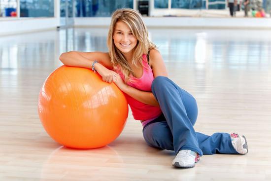 Упражнение для сжигания жира на боках и талии от Belle Badell