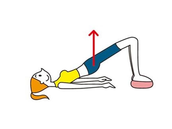 Японская гимнастика Small Вall корректирует бока и ягодицы