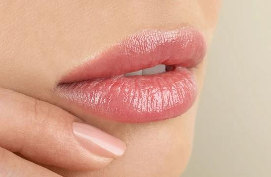 4 упражнения для сочных и упругих губ