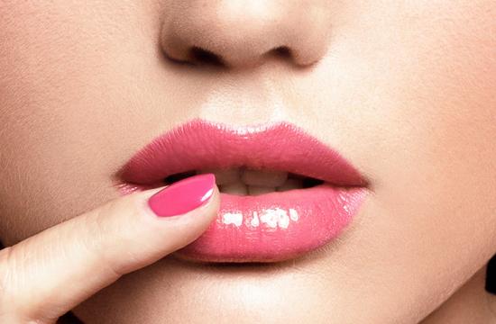 Комплекс упражнений для губ в течение дня