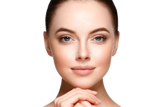 Подтяжка нижней части лица и щек (Б. Кантиени)